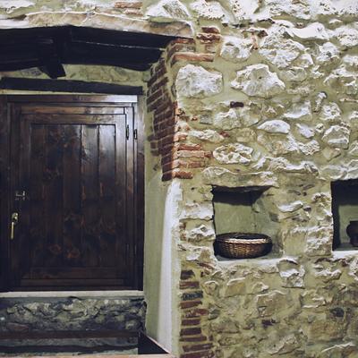 Incasso per cucina su misura ricavata da un vano sotto la finestra