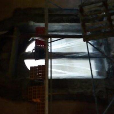 montaggio di portale in pietra lavica