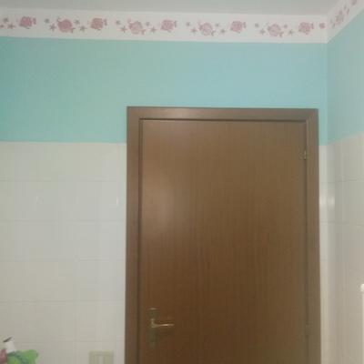 Pittura bicolore con decori