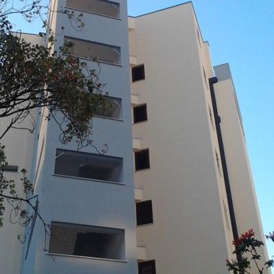 Costruzione edificio residenziale