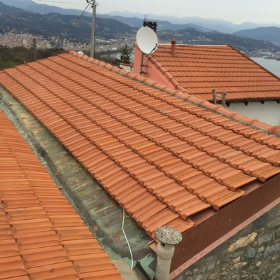 rifacimento tetto con tegole marsigliesi