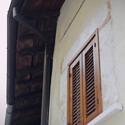Rifacimento tetto ed infissi