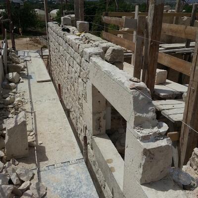 Formazione muri con pietra