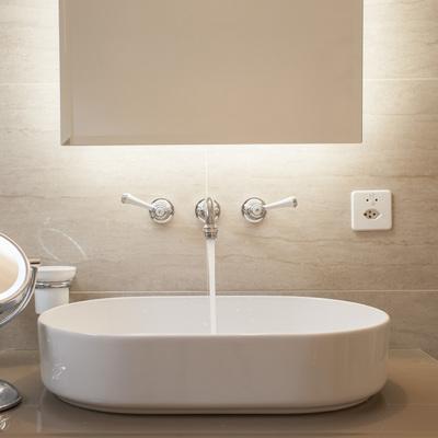 particolare bagno padronale
