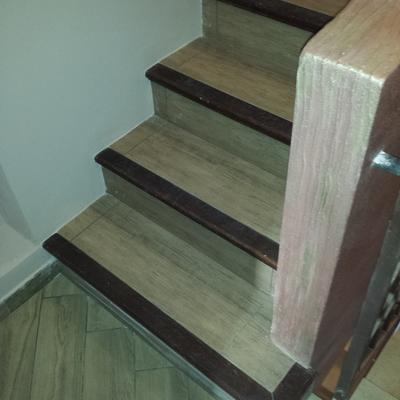 Scala in mattoni von bordo in legno