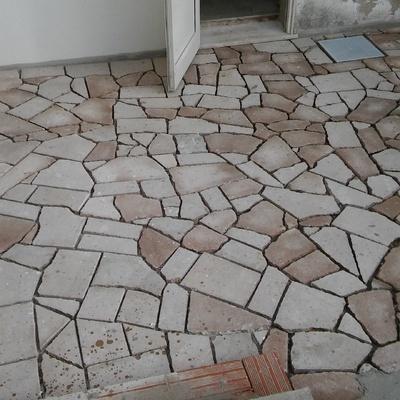 Pavimentazione con trachite