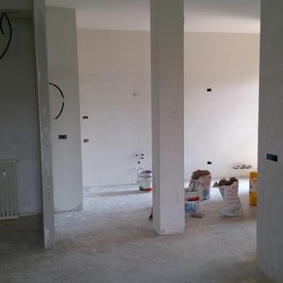 Vista dal soggiorno su cucina dopo demolizione