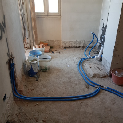Impianto idraulico in costruzione