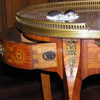 Mobili - Tavolino intarsiato