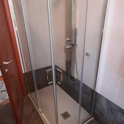 Trasformazione della vecchia vasca in doccia