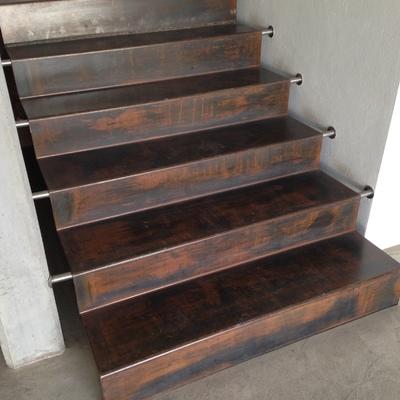 scale in ferro (corten)