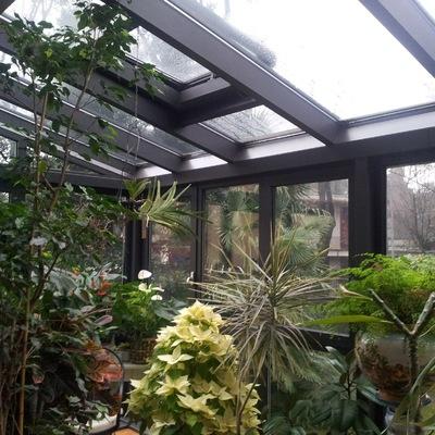 Veranda/serra adiacente una villa in brianza