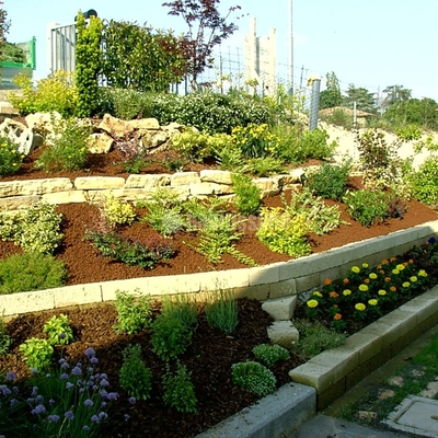 Giardinieri, cippatore, biotrituratore