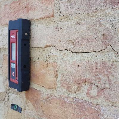 Monitoraggio crepe sui muri