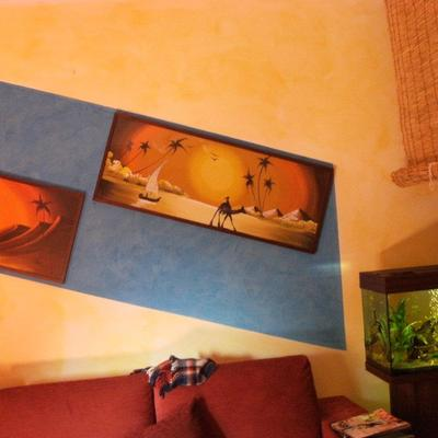 velatura gialla con riquadro in stucco veneziano azzurrino