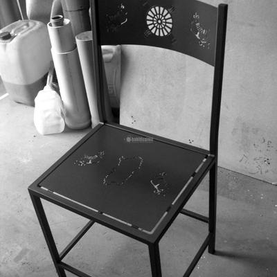 Sedie in ferro con disegni