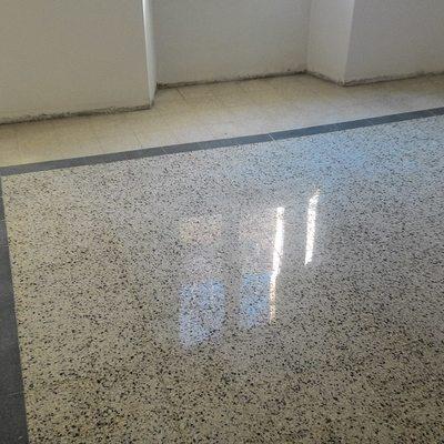 Lucidatura pavimento in marmette 20×20