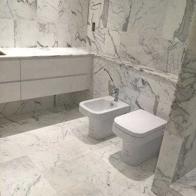 Pavimento e rivestimento in marmo
