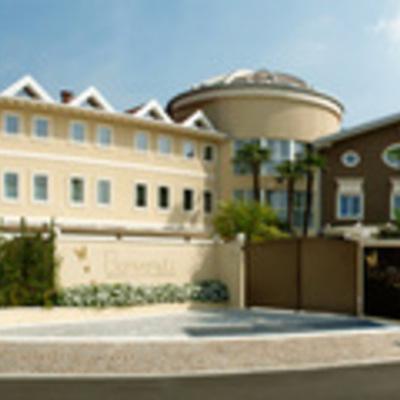 Costruzione, ristrutturazione e gestione di strutture hotel-alberghiere