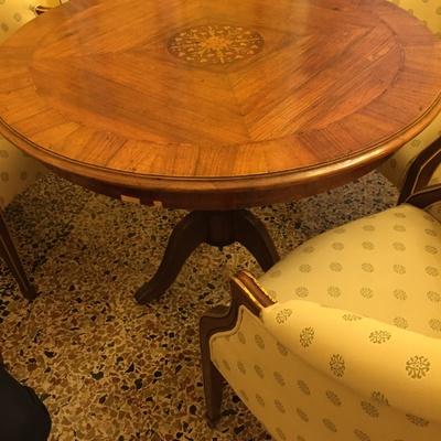 Restauro tavolo tondo