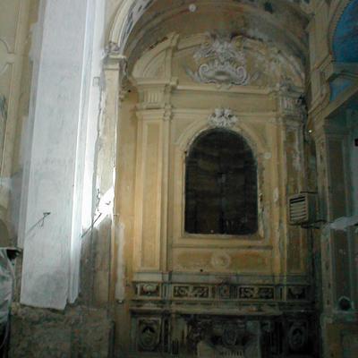 Altare di Santa Caterina in chiesa Santa Maria del SS. Rosario prima del restauro