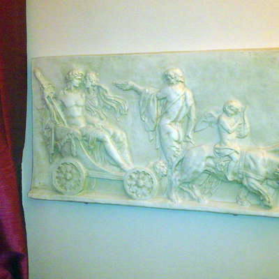 Altorilievo decorato a finto Marmo de La Bottega degli Stucchi