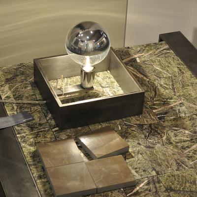 tavolino CAMALEONTE e lampada GLOBO