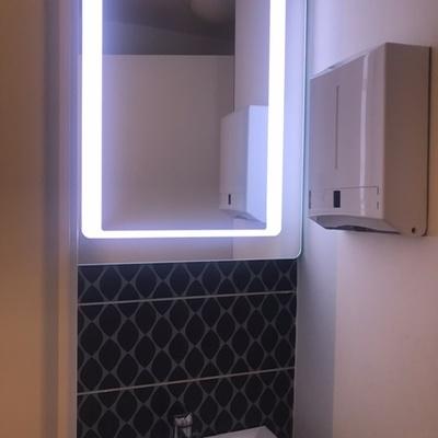 Specchio con luce a LED