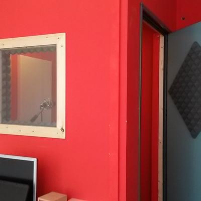 cabina insonorizzata per speaker