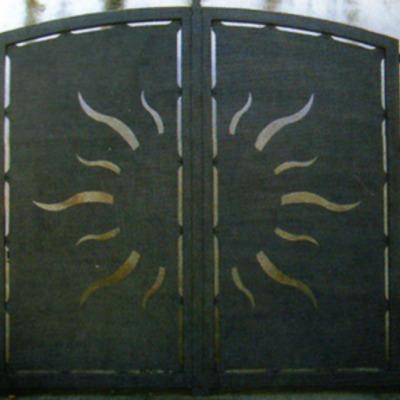 Cancello in ferro al plasma.