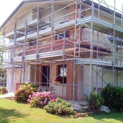 casa  sistemato   di muratura  e  riverniciata a nuovo