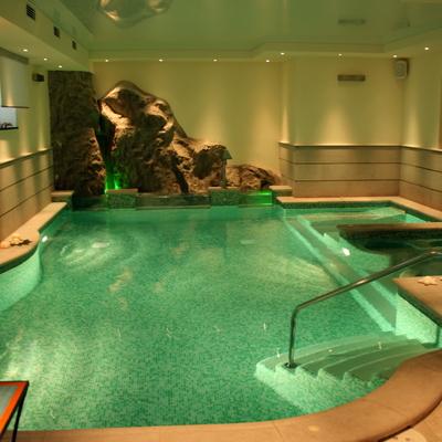 cascate su piscina