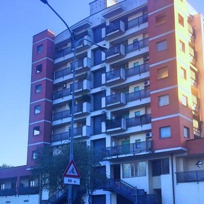 Euronics e palazzina adiacente, Terni