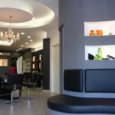 Centro estetico e parrucchiere  via Pontina Vecchia Pom