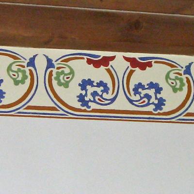 Particolare decorazione neoclassica a stancil