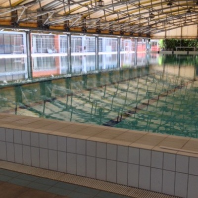 Copertura vasca piscina Saini di Milano e pavimentazioni in Klinker