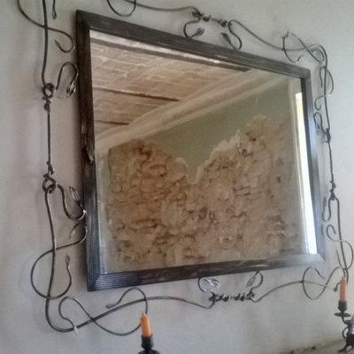 Cornice per specchio, in ferro battuto