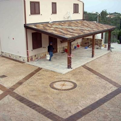 Costruzione di nuovo edificio con pavimento stampato