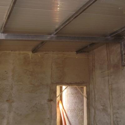 costruzione tettoia in ferro con pannelli isotec