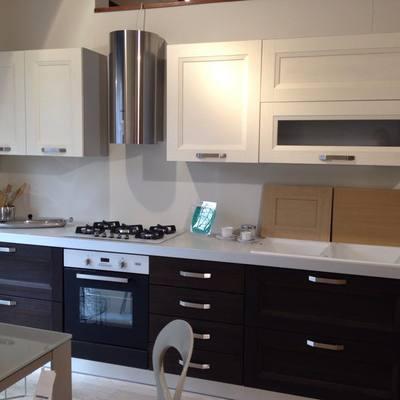 Cucina bianco-rovere grigio