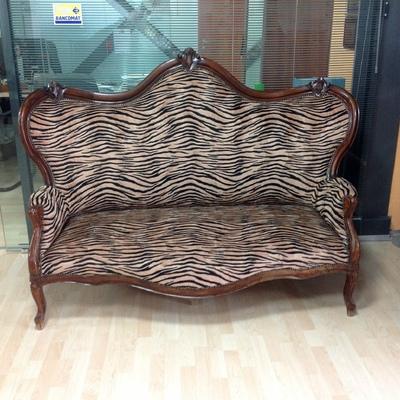 divano tigrato