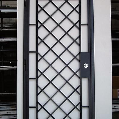 cancelli e porte di sicurezza in ferro