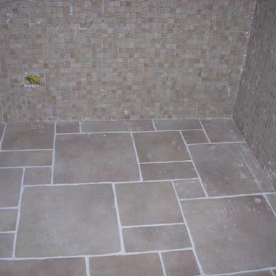 Pavimento modulare vari formati e mosaico 4 x 4 rustico