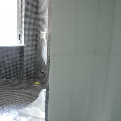 mosaico vetroso 3 x 3 e rivestimento in vetro 30 x 1 mt