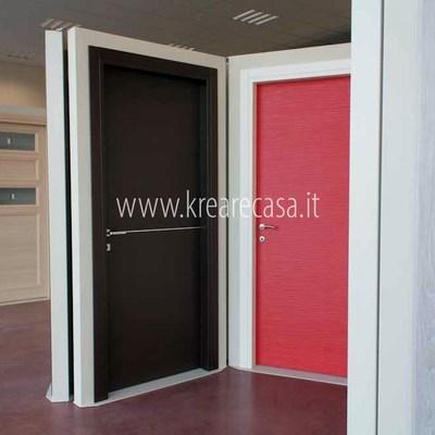 Esposizione di porte interne