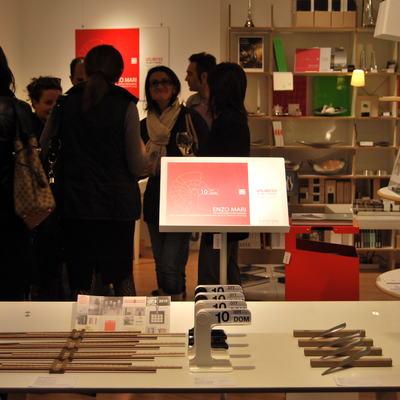 evento enzo mari 2010 vetrina