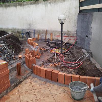 costruzione aiuola e fontana