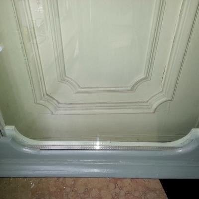 finestra lato esterno con vetro camera e restauro