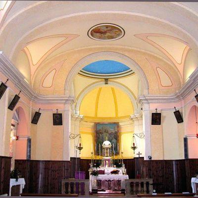 Navata chiesa: risolto problema umidità di risalita ai muri