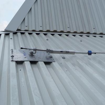 Fornitura e posa linea vita su tetti